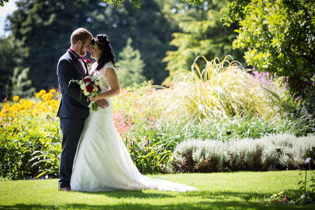 Image 5: Bressingham Hall & High Barn Wedding Show