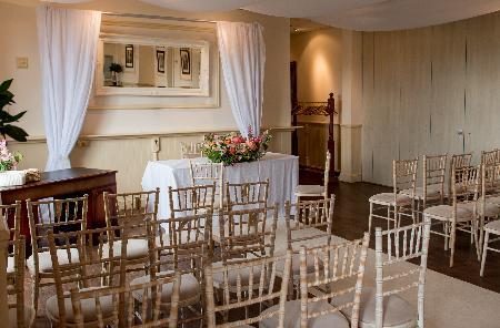 Image 2: Clock Barn Hall Wedding Show
