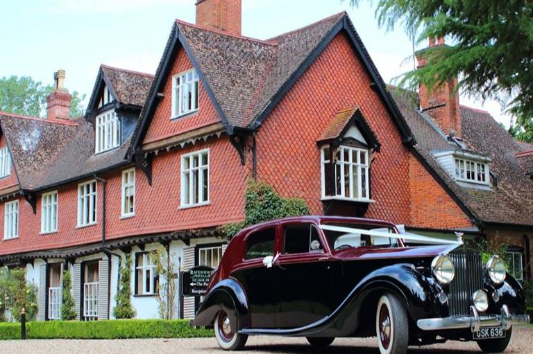 Image 2: Ravenwood Hall Hotel Wedding Show
