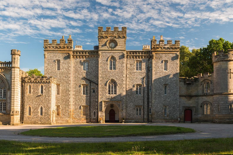 Image 3: Castle Goring Wedding Show