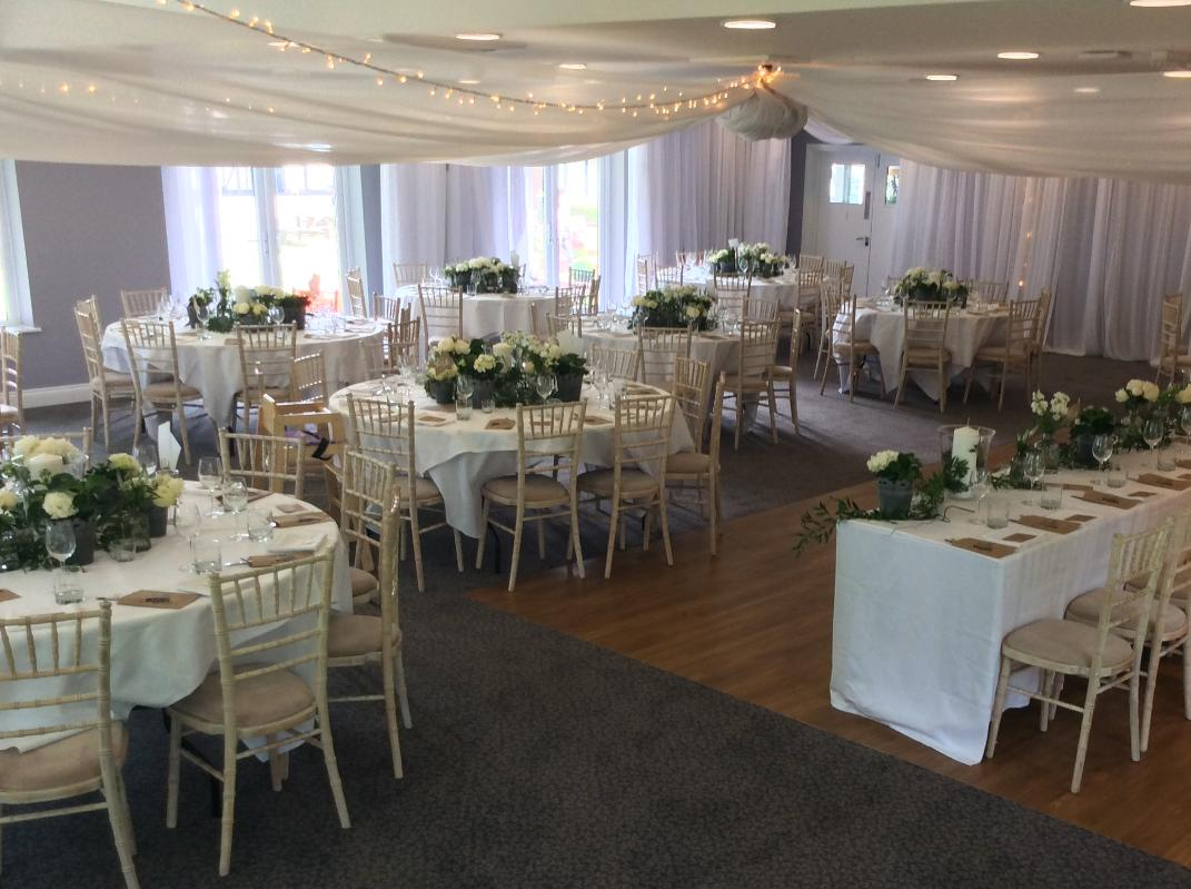 Image 3: Hever Hotel Wedding Show